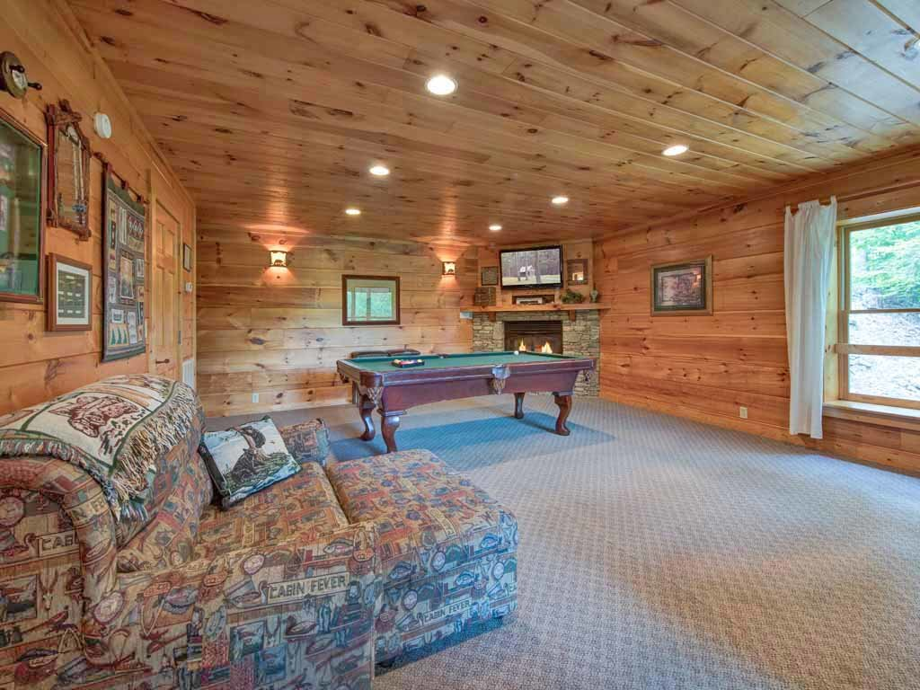 Photo of a Gatlinburg Cabin named Cozy Bear Lodge - This is the ninth photo in the set.
