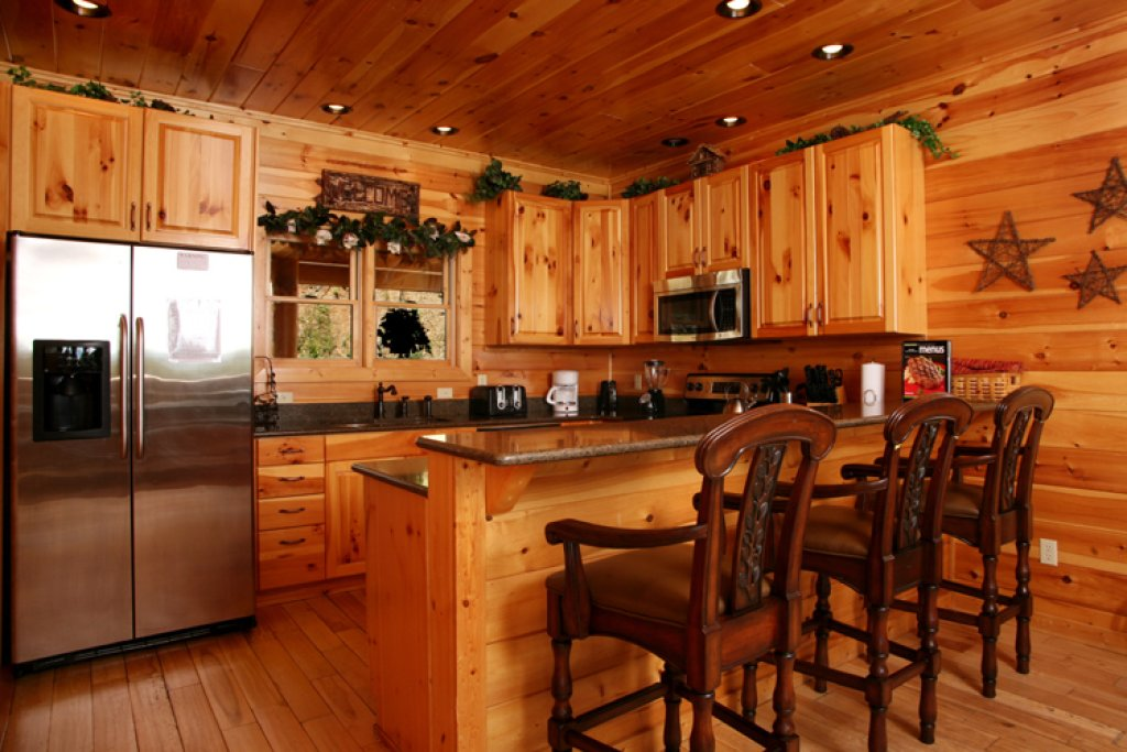 Photo of a Gatlinburg Cabin named Big Bear Lodge - This is the fifth photo in the set.