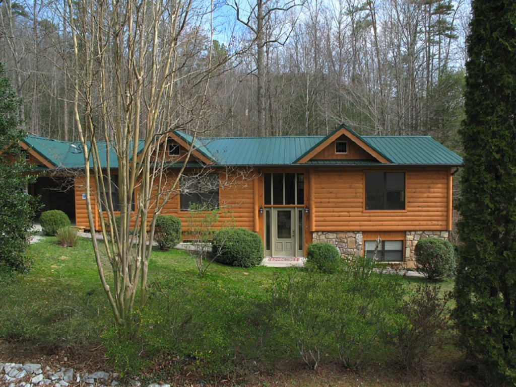 Photo of a Gatlinburg Cabin named Homespun Hospitality - This is the twenty-fifth photo in the set.