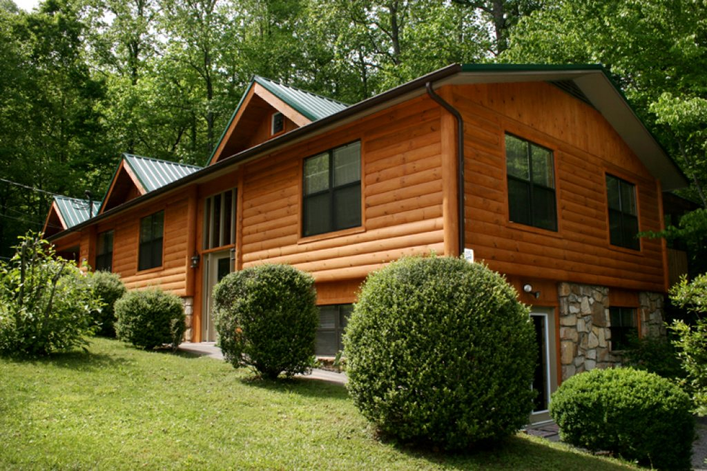 Photo of a Gatlinburg Cabin named Homespun Hospitality - This is the twenty-fourth photo in the set.