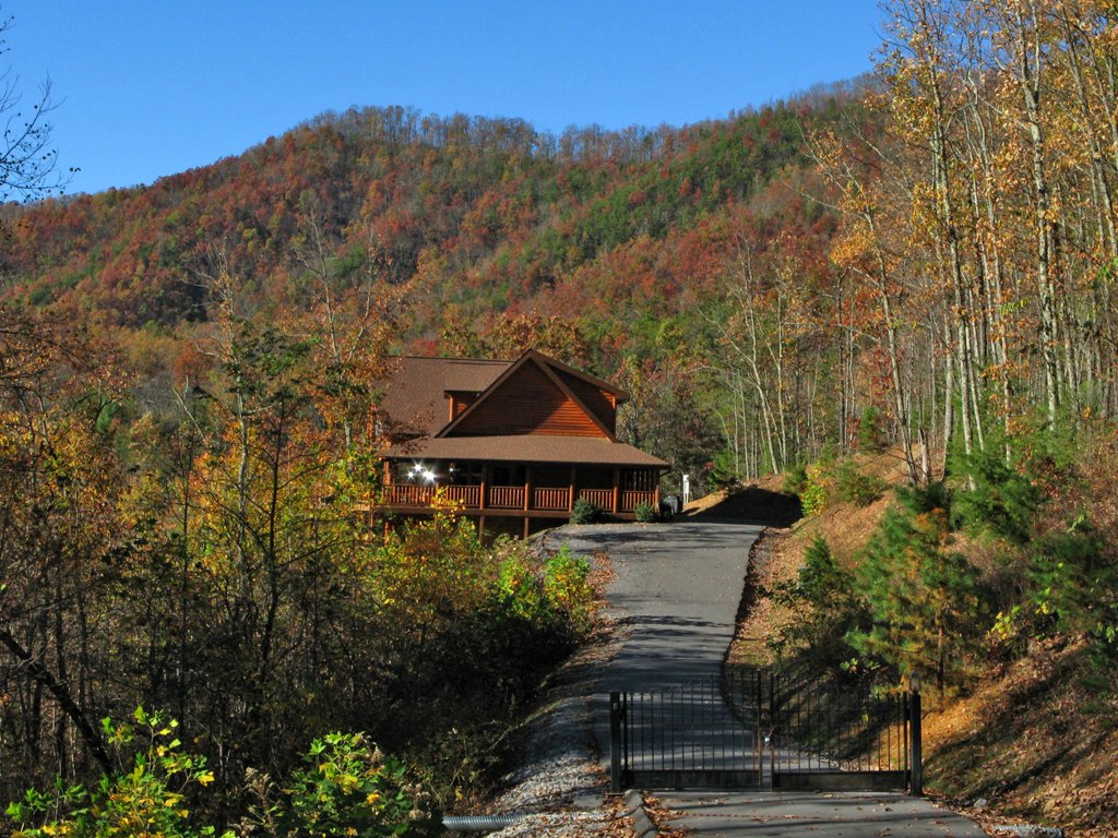 Photo of a Gatlinburg Cabin named Big Bear Lodge - This is the twenty-fifth photo in the set.