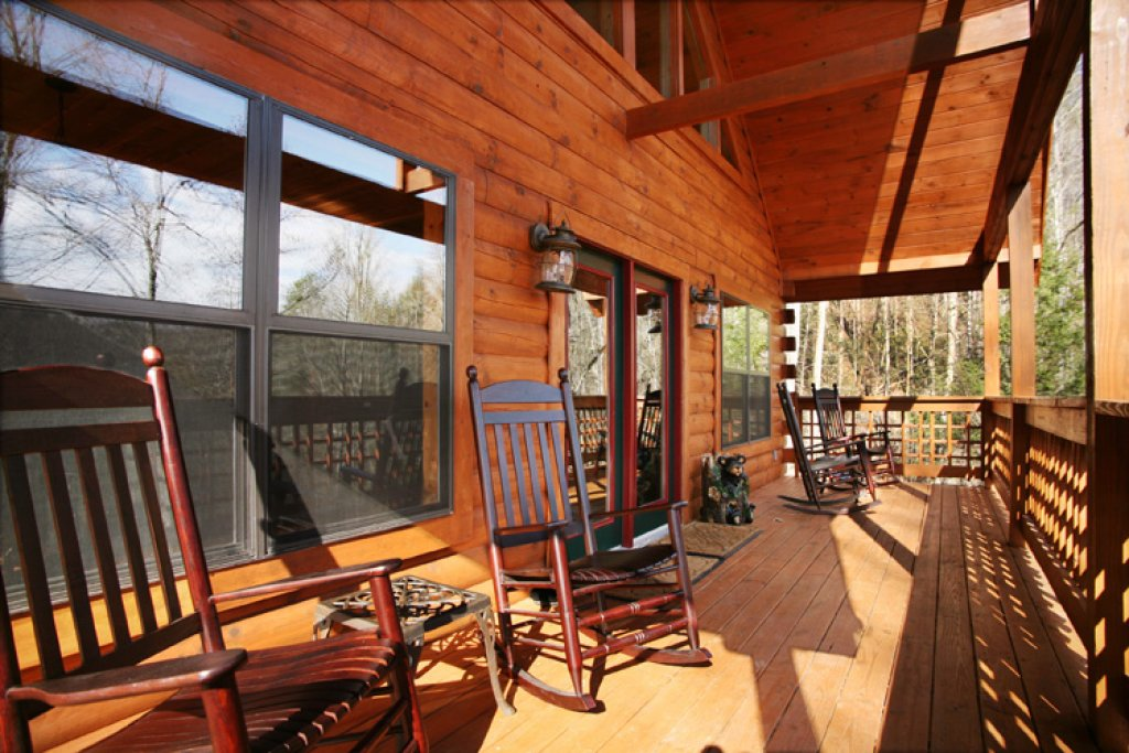 Photo of a Gatlinburg Cabin named Stonebrook Lodge - This is the fifth photo in the set.