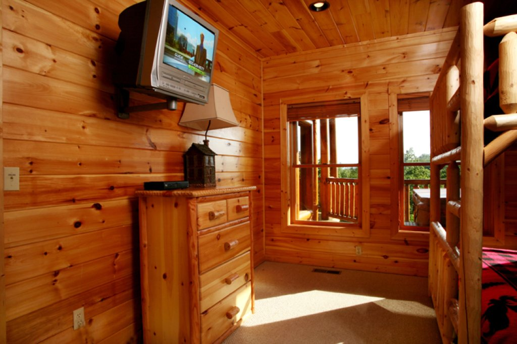 Photo of a Gatlinburg Cabin named Big Bear Lodge - This is the nineteenth photo in the set.