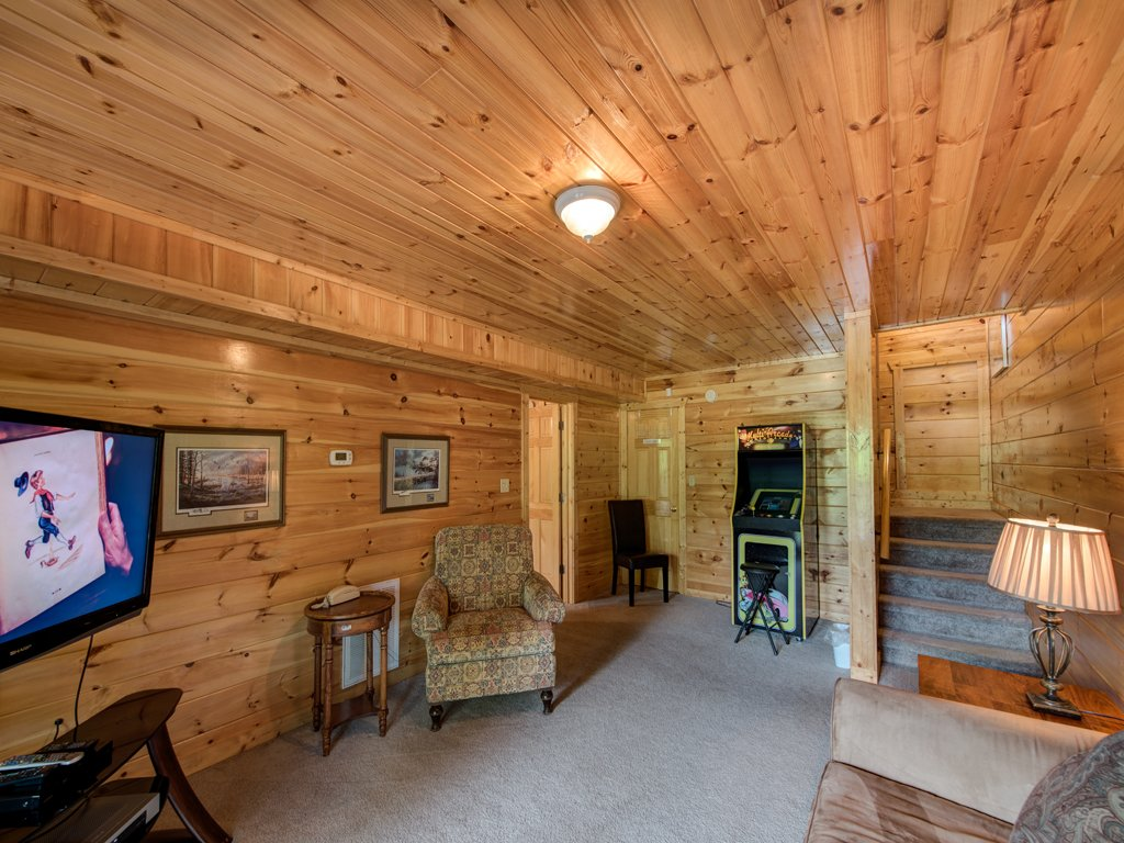 Photo of a Gatlinburg Cabin named Triple Mountain View - This is the eighth photo in the set.