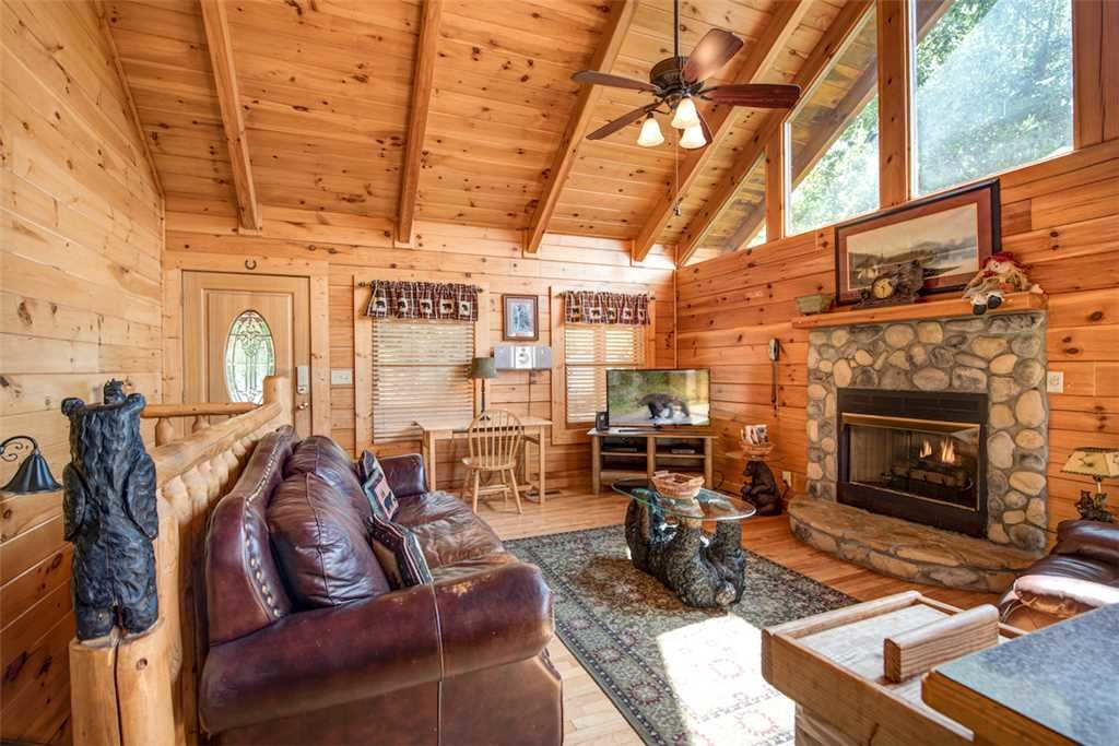 Photo of a Pigeon Forge Cabin named Absolutely Perfect - This is the first photo in the set.