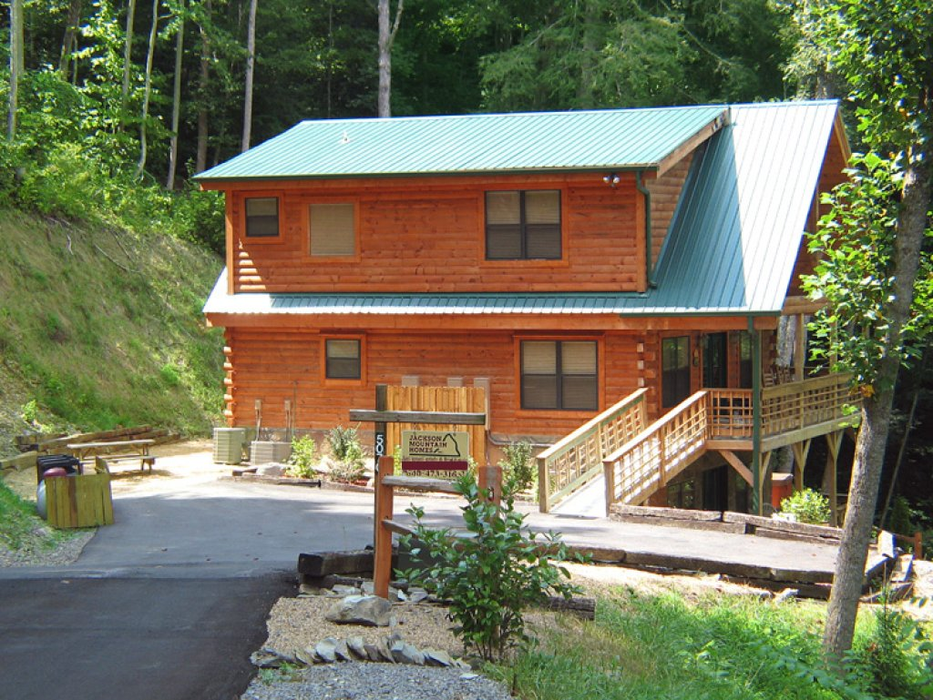 Photo of a Gatlinburg Cabin named Stonebrook Lodge - This is the twenty-fourth photo in the set.