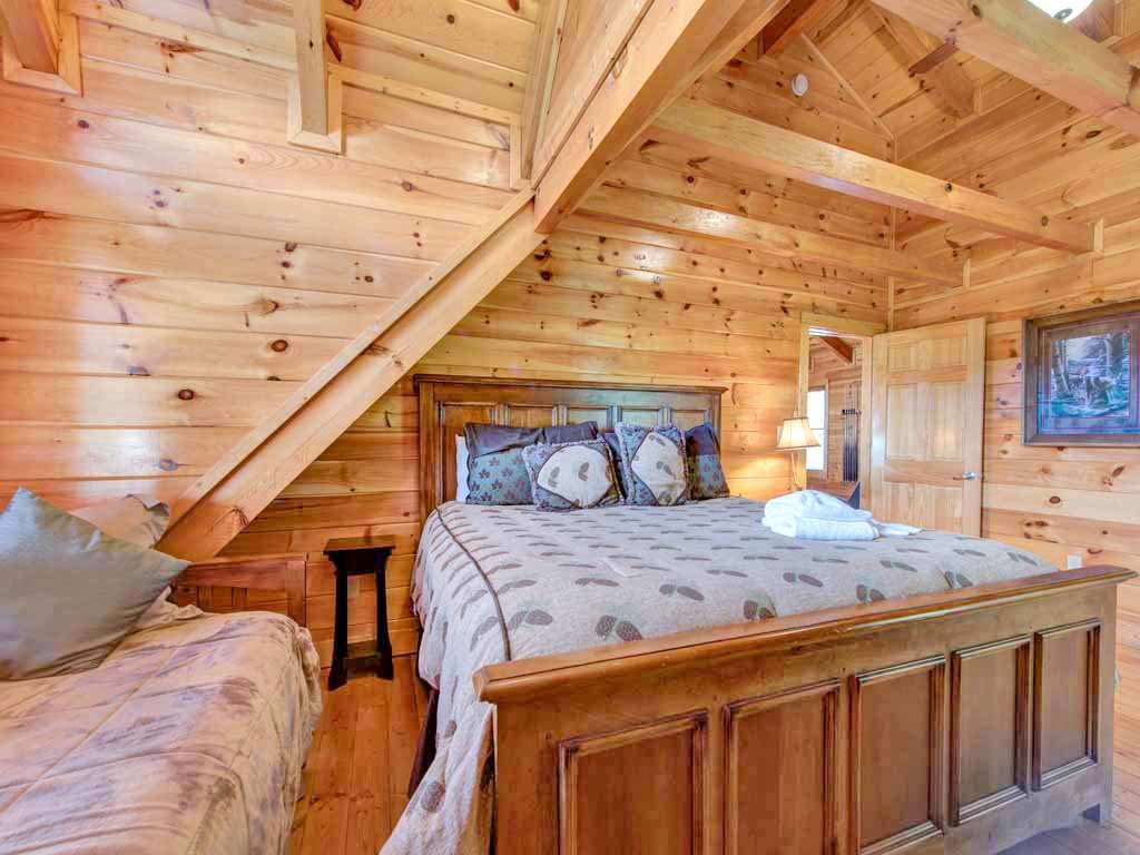Papa bear 39 s lodge cabin in gatlinburg w 5 br sleeps22 for Nuvola 9 cabin gatlinburg