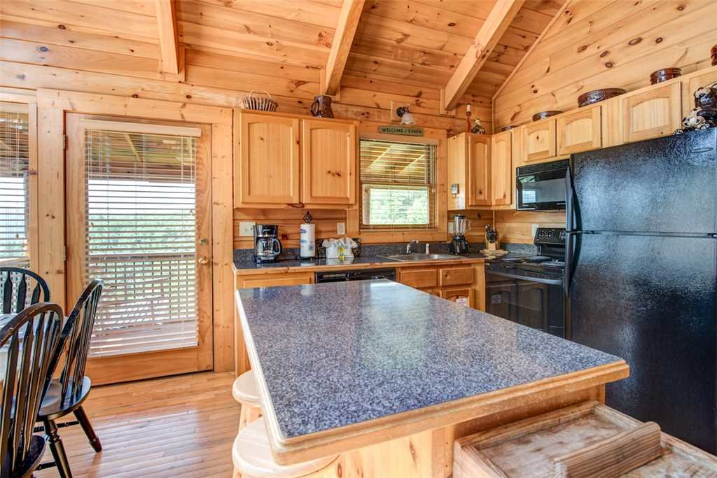 Photo of a Pigeon Forge Cabin named Absolutely Perfect - This is the seventh photo in the set.
