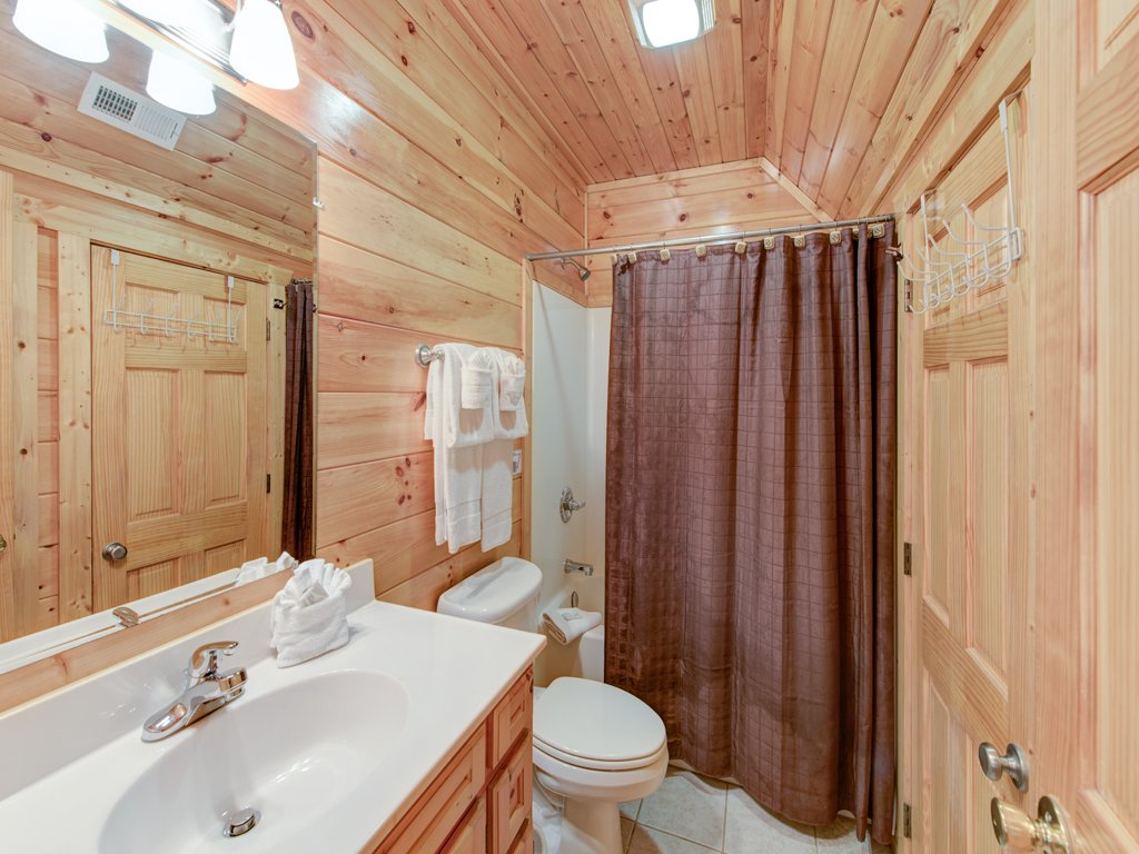 Photo of a Gatlinburg Cabin named Triple Mountain View - This is the fifteenth photo in the set.