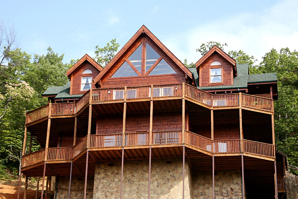 Photo of a Gatlinburg Cabin named Papa Bear's Lodge - This is the thirty-fourth photo in the set.