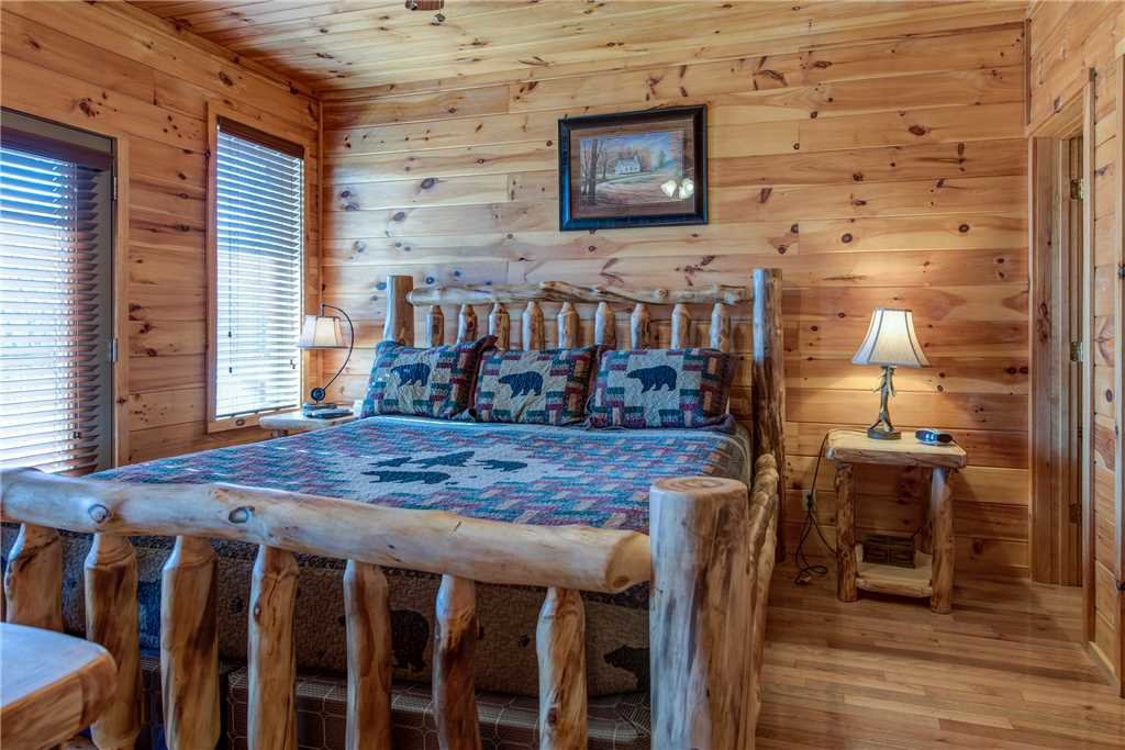 Photo of a Gatlinburg Cabin named Starry Nights Lodge - This is the twenty-first photo in the set.