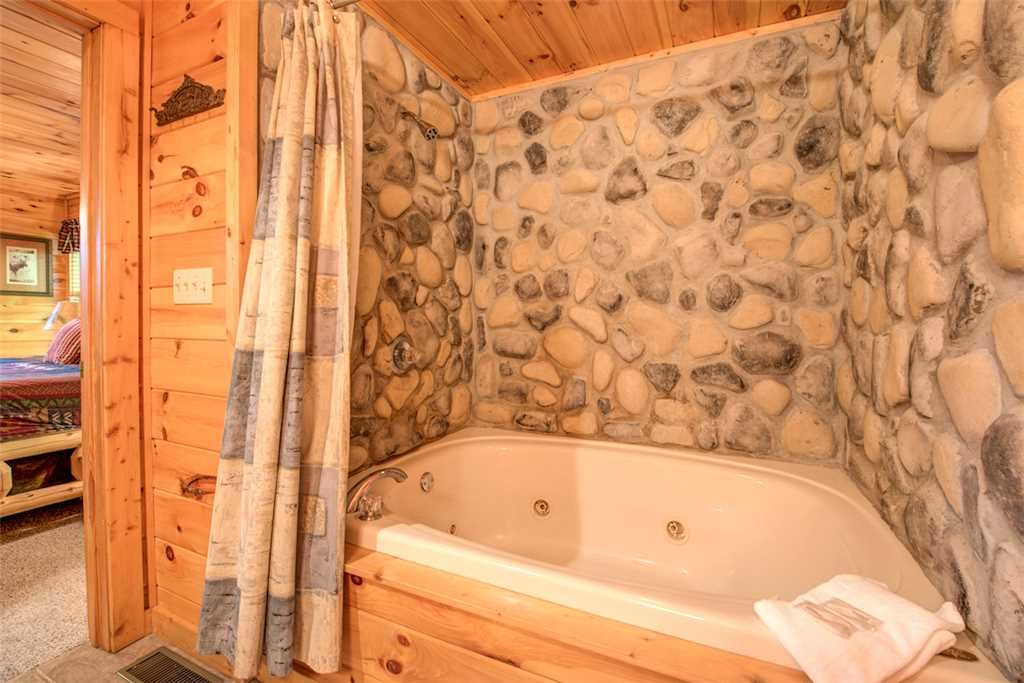 Photo of a Pigeon Forge Cabin named Absolutely Perfect - This is the eighteenth photo in the set.