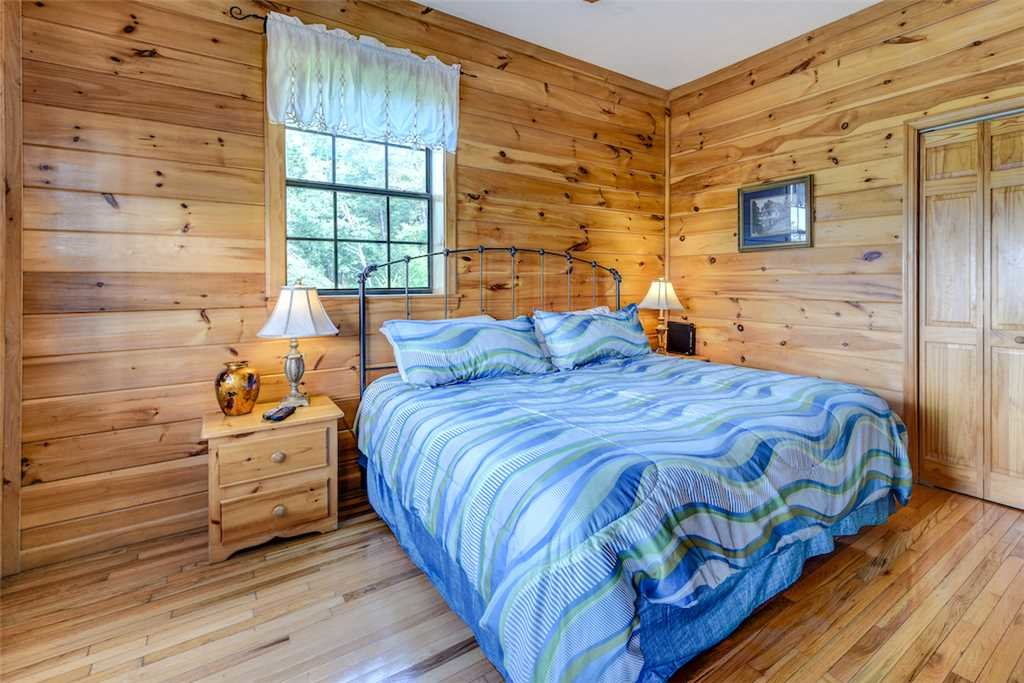 Photo of a Pigeon Forge Cabin named Peaceful View - This is the eighteenth photo in the set.