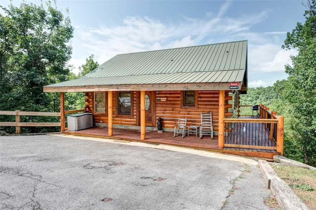 Photo of a Pigeon Forge Cabin named Absolutely Perfect - This is the twenty-first photo in the set.