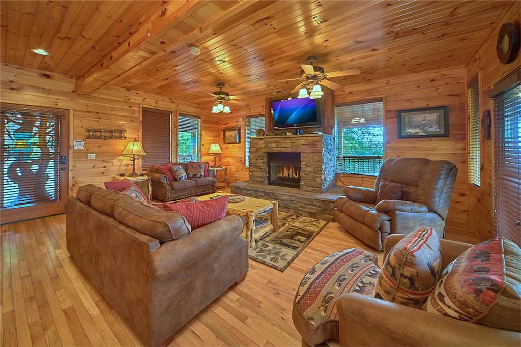Photo of a Gatlinburg Cabin named Starry Nights Lodge - This is the fifth photo in the set.