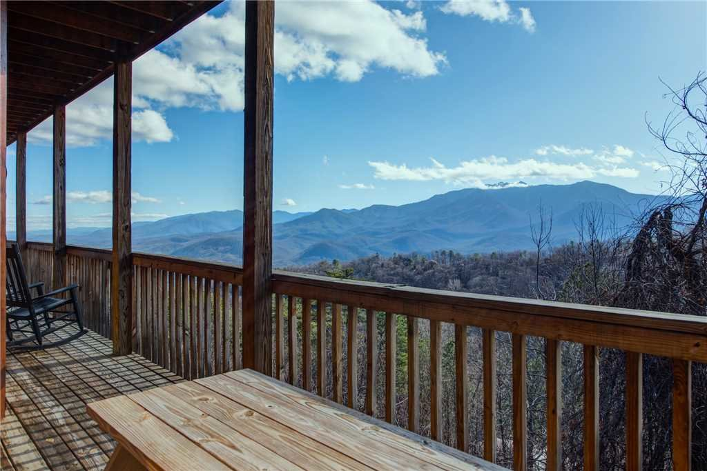 Photo of a Gatlinburg Cabin named Starry Nights Lodge - This is the twenty-seventh photo in the set.