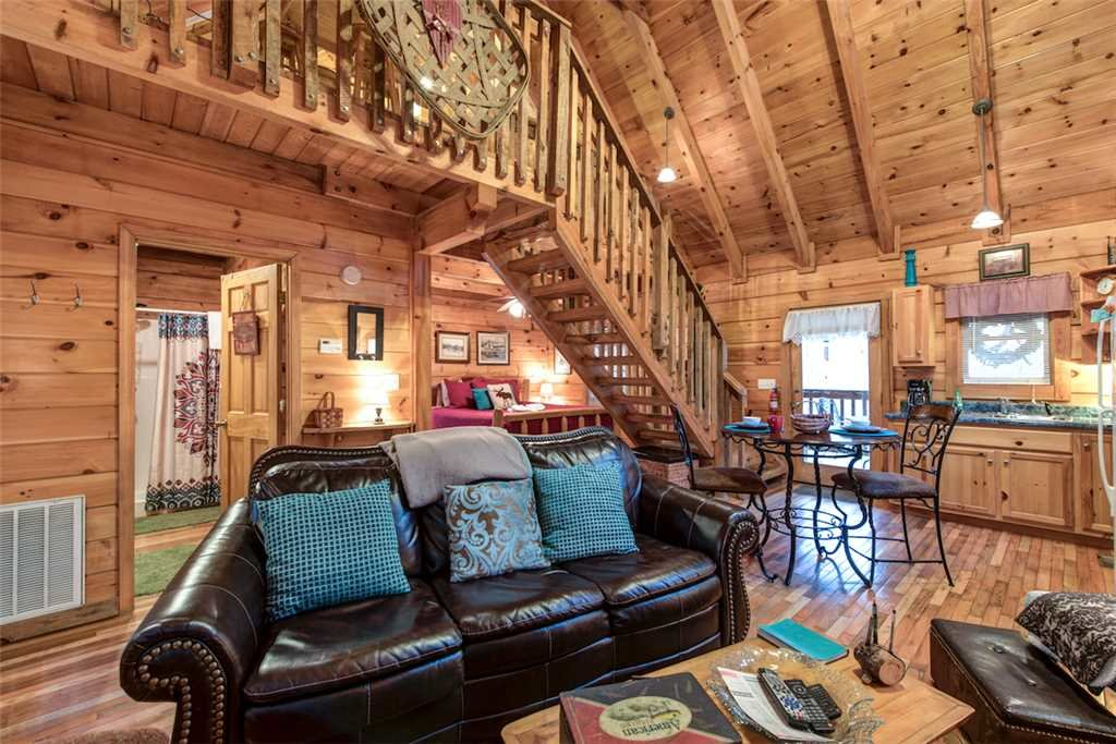 Photo of a Pigeon Forge Cabin named Wild At Heart - This is the fourth photo in the set.