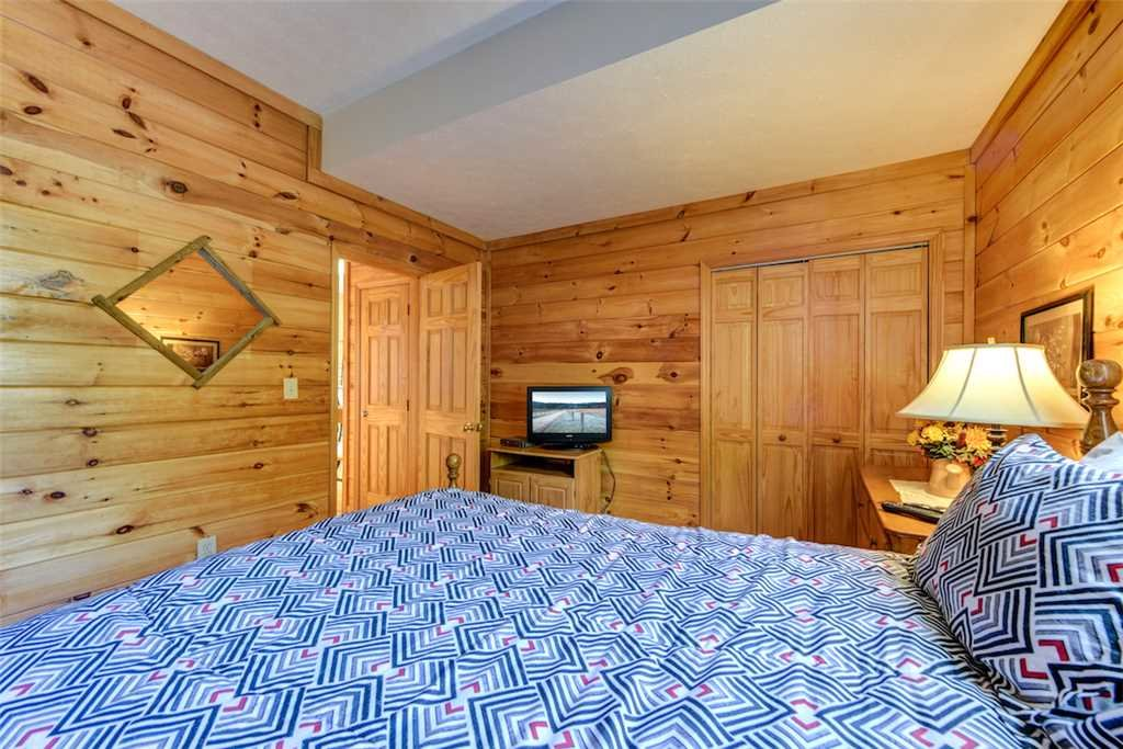 Photo of a Pigeon Forge Cabin named Peaceful View - This is the sixteenth photo in the set.