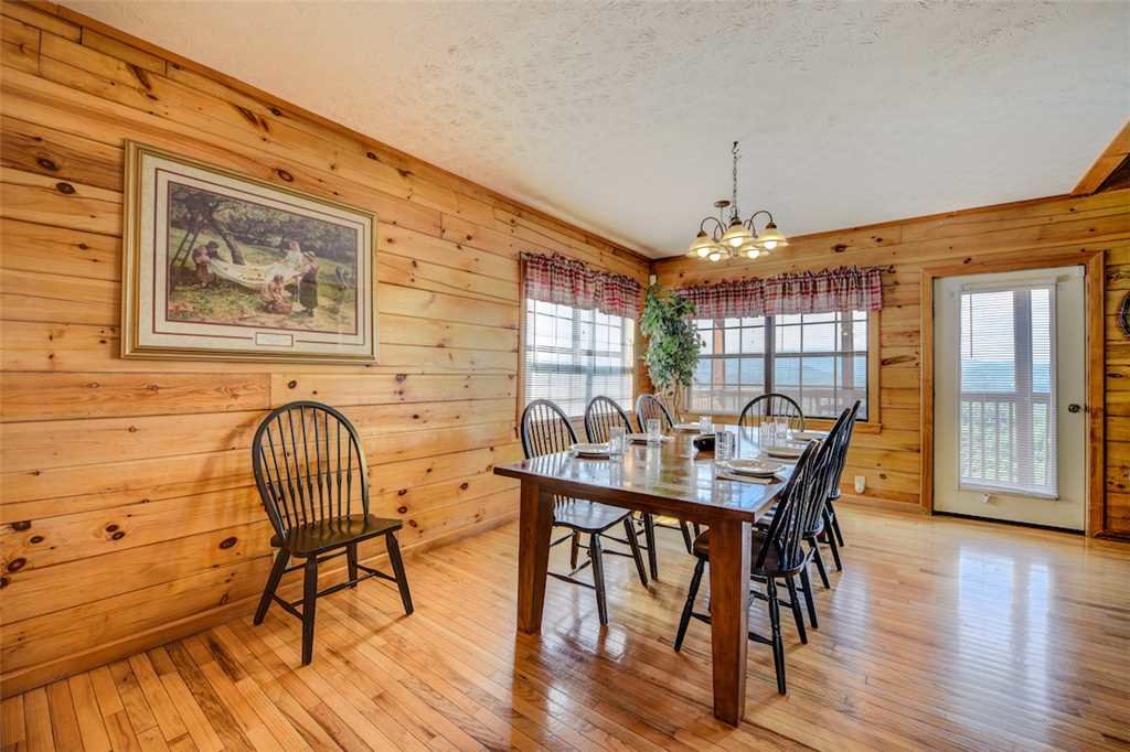 Photo of a Pigeon Forge Cabin named Peaceful View - This is the sixth photo in the set.