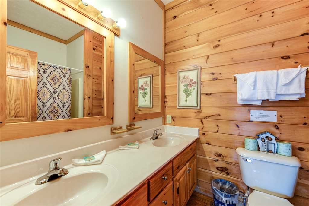 Photo of a Pigeon Forge Cabin named Peaceful View - This is the seventeenth photo in the set.