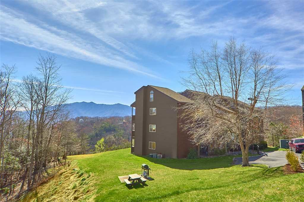 Photo of a Gatlinburg Condo named High Chalet - This is the eleventh photo in the set.