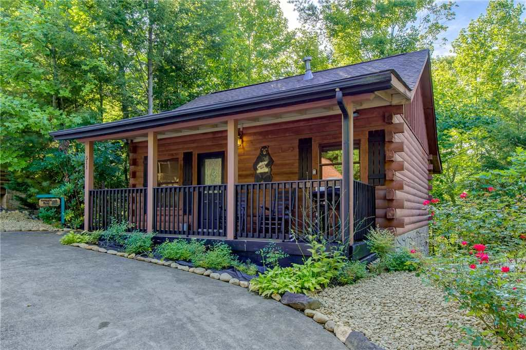 Photo of a Gatlinburg Cabin named Snuggle Bear - This is the sixteenth photo in the set.