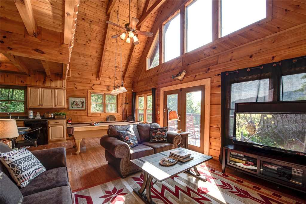 Photo of a Pigeon Forge Cabin named Scenic Solitude - This is the third photo in the set.