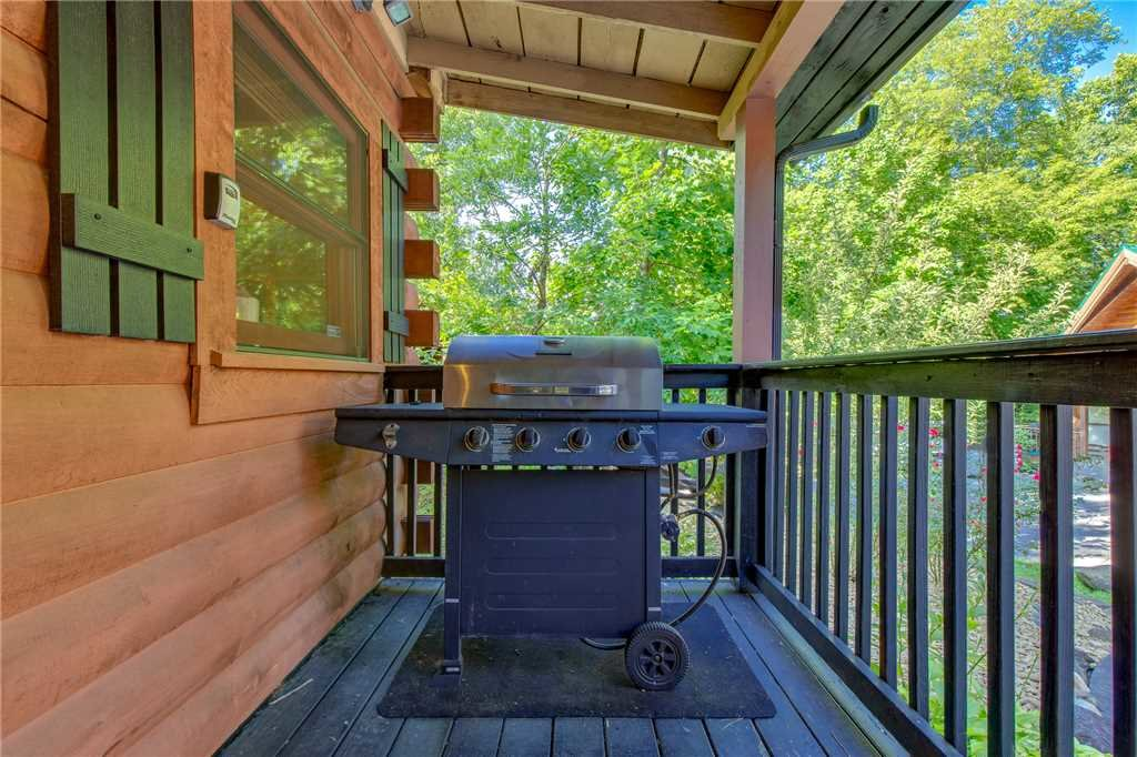 Photo of a Gatlinburg Cabin named Snuggle Bear - This is the fourteenth photo in the set.