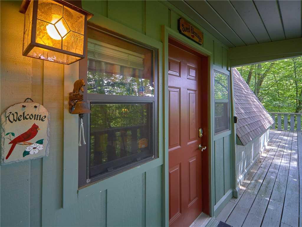 Photo of a Gatlinburg Cabin named Sweet Blessings - This is the sixteenth photo in the set.