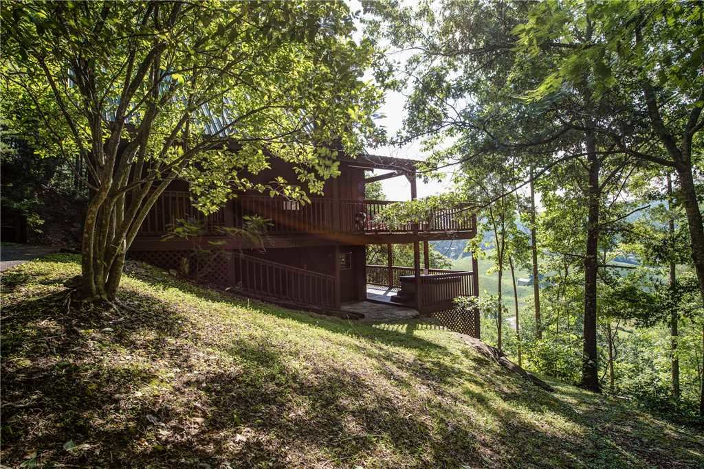 Photo of a Pigeon Forge Cabin named Scenic Solitude - This is the eighteenth photo in the set.