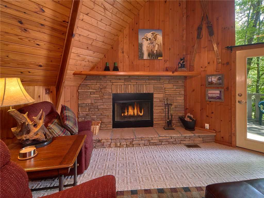Photo of a Gatlinburg Cabin named Sweet Blessings - This is the third photo in the set.