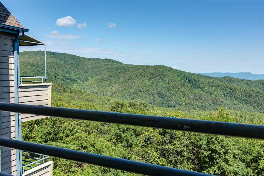 Photo of a Galtinburg Condo named Overlook Nook - This is the twenty-first photo in the set.