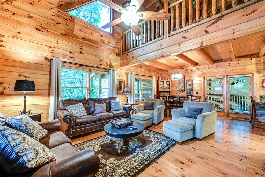 Photo of a Pigeon Forge Cabin named Southern Sweet T - This is the first photo in the set.