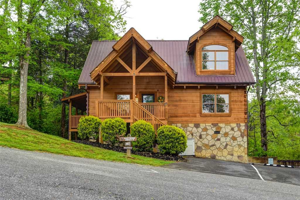 Photo of a Pigeon Forge Cabin named Southern Sweet T - This is the third photo in the set.
