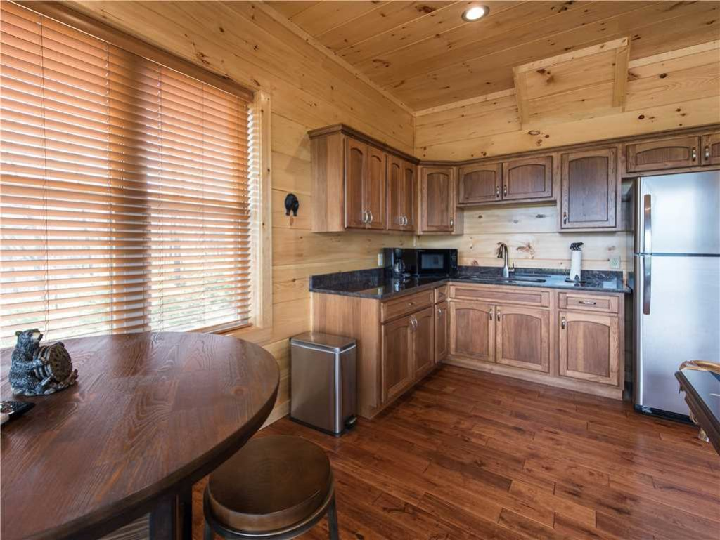 Photo of a Gatlinburg Cabin named 3 Bears Chalet - This is the twenty-first photo in the set.
