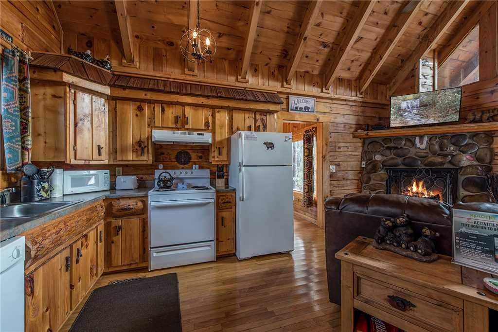 Photo of a Gatlinburg Cabin named Peaceful Mountain Gem - This is the sixth photo in the set.