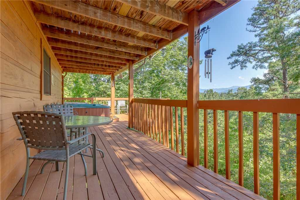 Photo of a Gatlinburg Cabin named Mountain Memories - This is the twenty-second photo in the set.