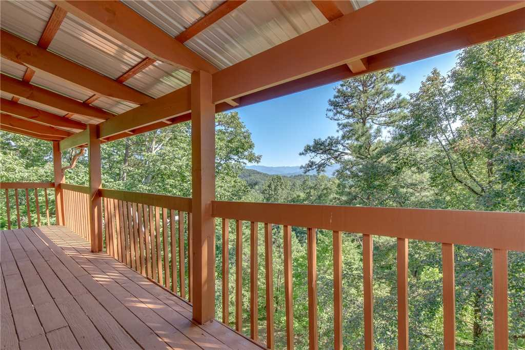 Photo of a Gatlinburg Cabin named Mountain Memories - This is the twenty-third photo in the set.