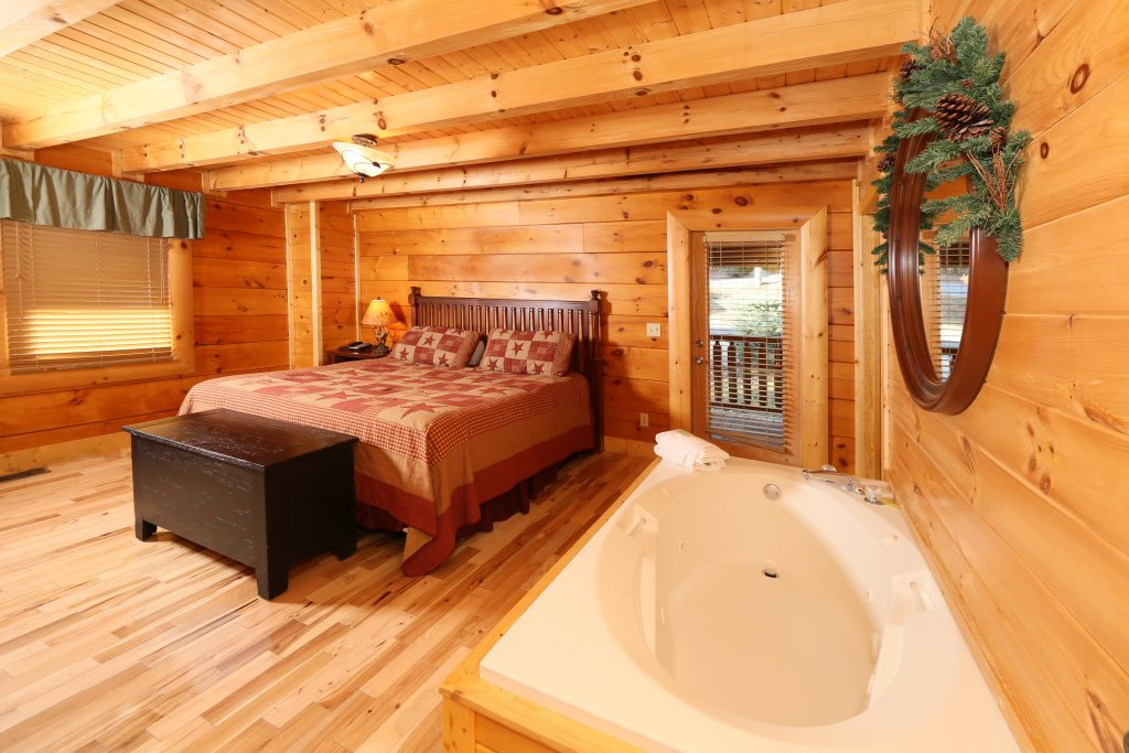 Photo of a Pigeon Forge Cabin named A Little Slice Of Heaven - This is the twelfth photo in the set.