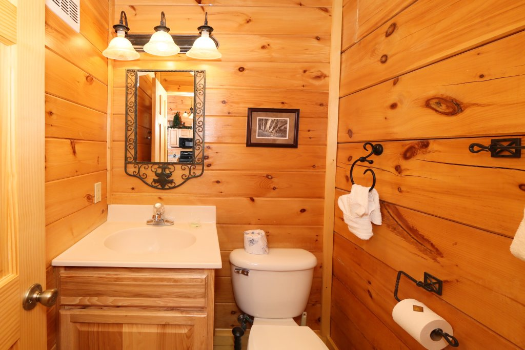 Photo of a Pigeon Forge Cabin named A Little Slice Of Heaven - This is the sixteenth photo in the set.
