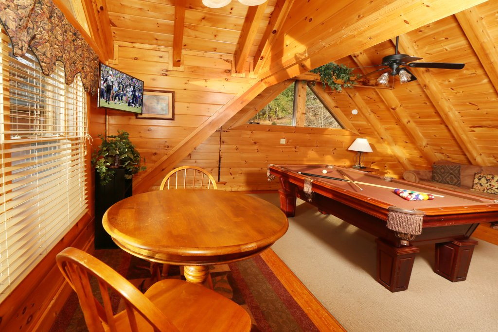 Photo of a Pigeon Forge Cabin named A Little Slice Of Heaven - This is the nineteenth photo in the set.