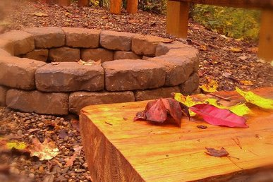 Outdoor Firepit - Secluded 1 Bedroom Near All The Fun