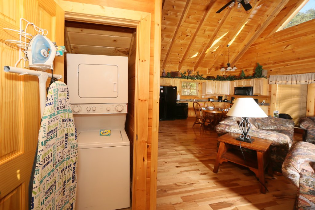 Photo of a Pigeon Forge Cabin named A Little Slice Of Heaven - This is the twenty-first photo in the set.