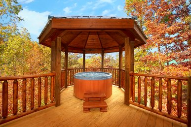 Romantic Cabin With Gazebo Hot Tub - Arts And Crafts Community!