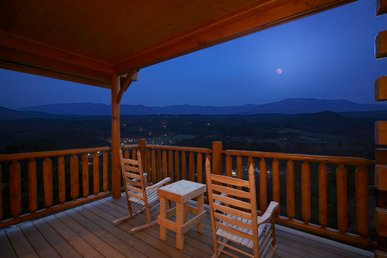 Enjoy Mountain Views From Your Luxury 1 Bedroom Cabin