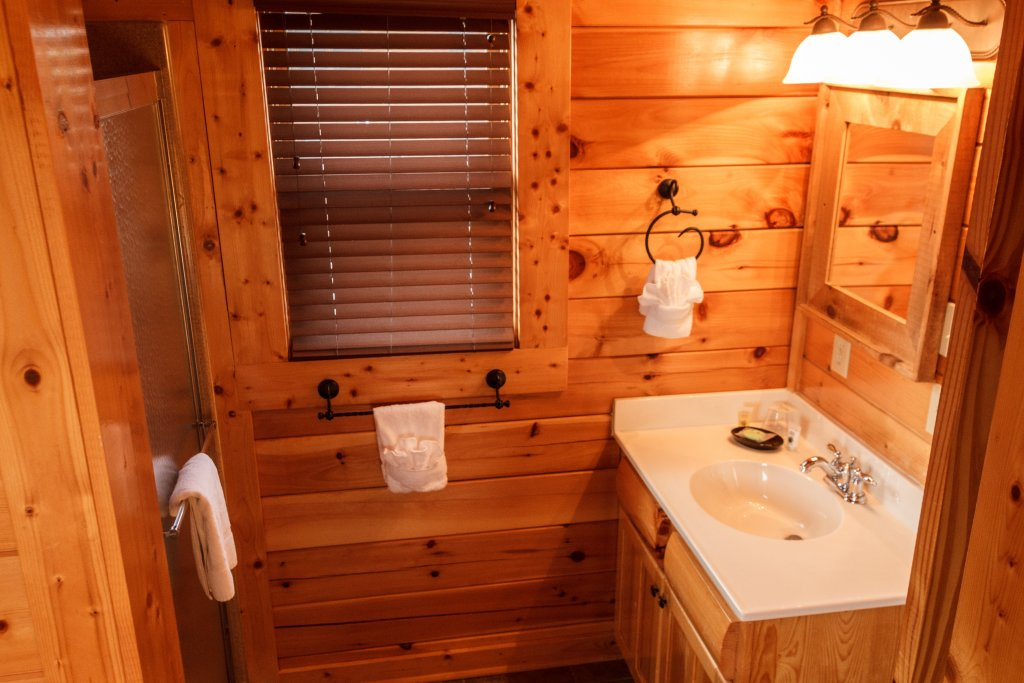 Photo of a Pigeon Forge Cabin named Dream On High - This is the twentieth photo in the set.