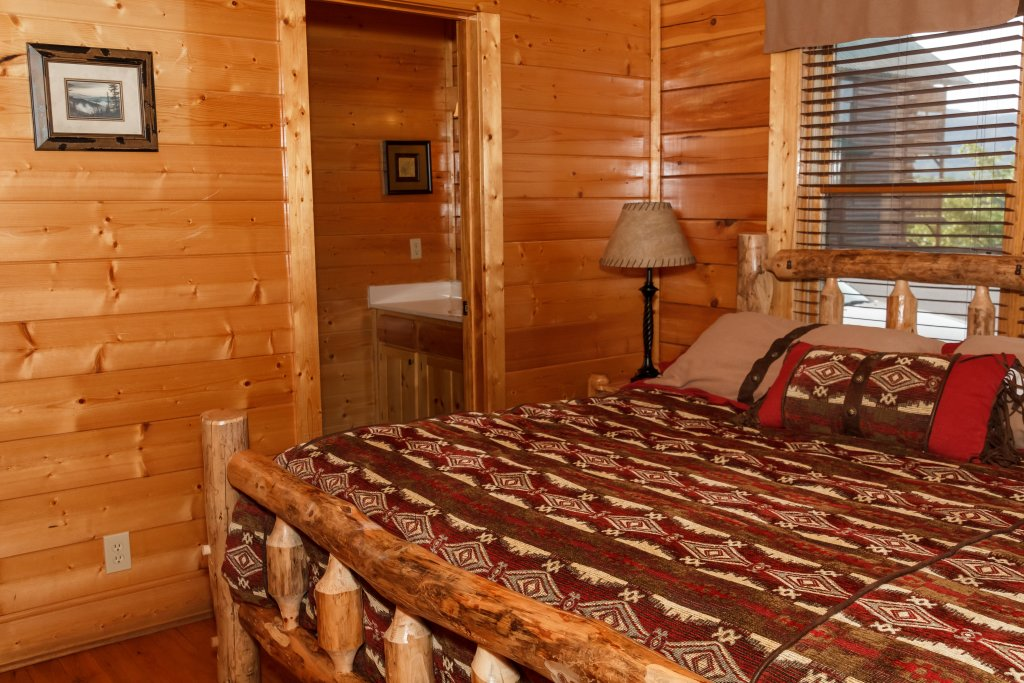 Photo of a Pigeon Forge Cabin named Dream On High - This is the eighteenth photo in the set.