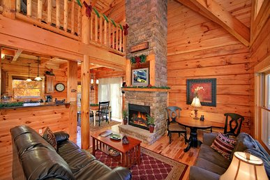 Classic 3 Bedroom Luxury Log Cabin With 3 Baths, 3 Kings And Game Room