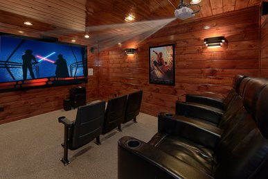 Luxury Cabin With Home Theater Room, Hot Tub - Arts And Crafts Community!
