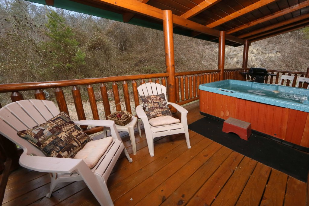 Photo of a Pigeon Forge Cabin named Smoky Cascades - This is the third photo in the set.